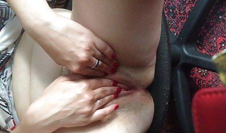 Лесбійський поцілунок нижня білизна красиве порно 720