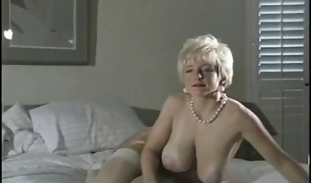 Бэтгерл Шанда Перрі дає Б. гарне українське порно зрілих Так.
