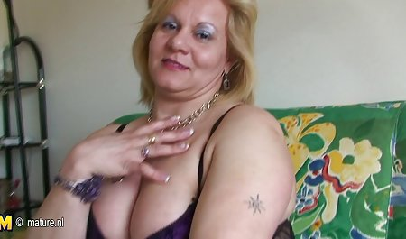 Грати соло, грудаста, ніжна еротика Лулу
