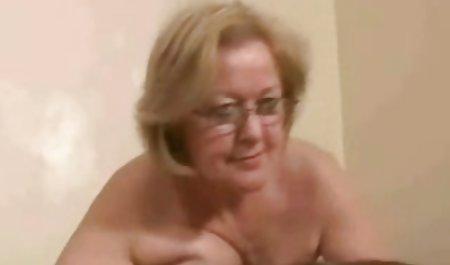 Ешлі Белл в красиве ретро порно очах у батьків, щасливих екіпажу