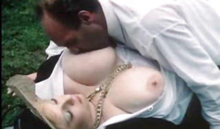 Агресивна секс з гарною жінкою Діва